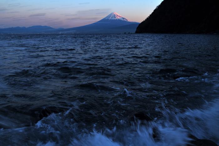 波に洗われる海岸線