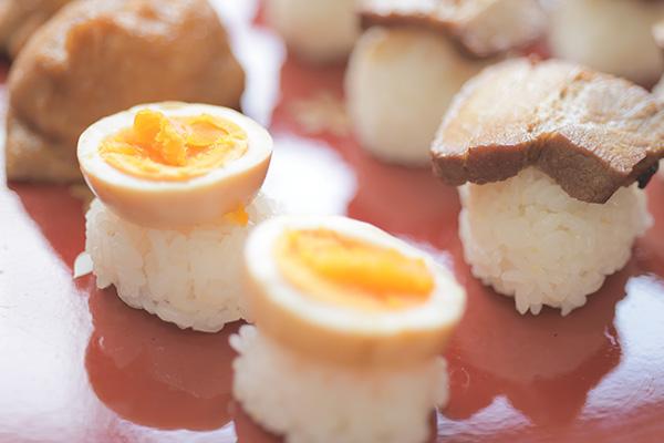 豚角煮のお寿司