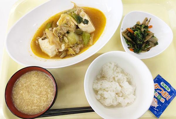 豆腐メインのA定食