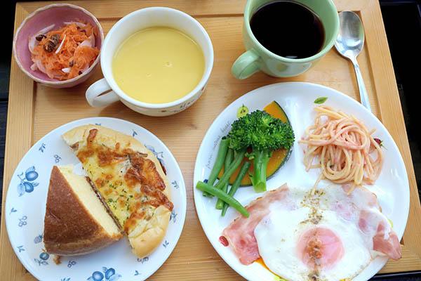 土曜日の我が家の朝食