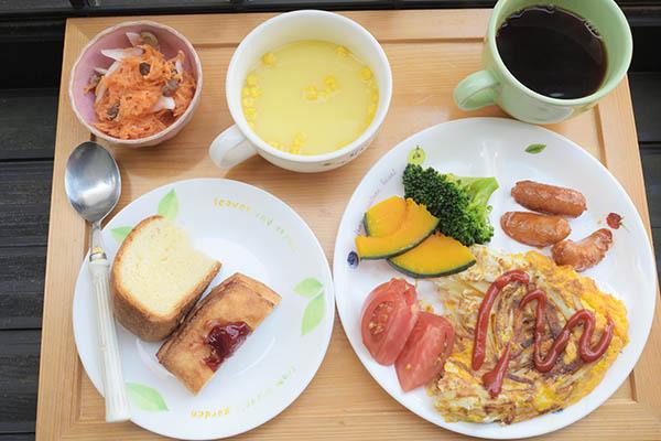 町田製パンのお土産パンを、翌日、妻と食する