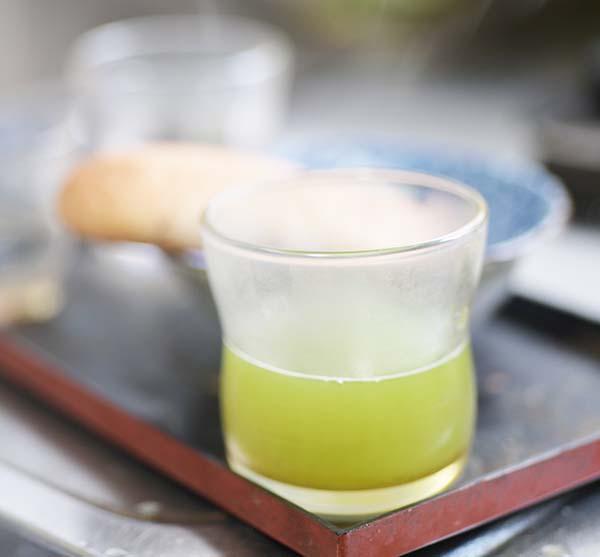 我が家は緑茶の免疫力アップで生き残ろうとしています