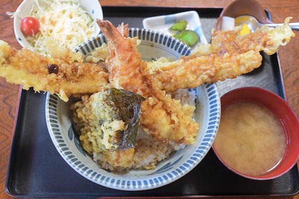 穴子と海老天丼800円