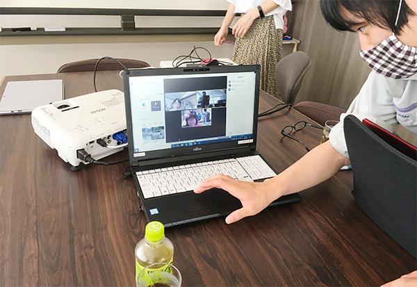 ZOOMオンラインセミナー:会場に5人、静岡からのオンライン参加3名で開催。