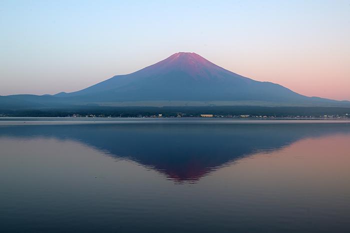 未明の赤い時刻(赤富士の始まり)