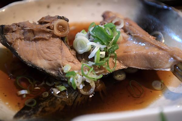 ぶりかま煮魚定食をチョイス