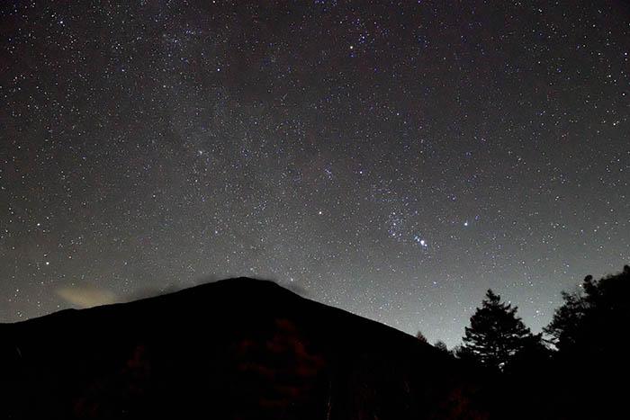 オリオン座輝く夜空