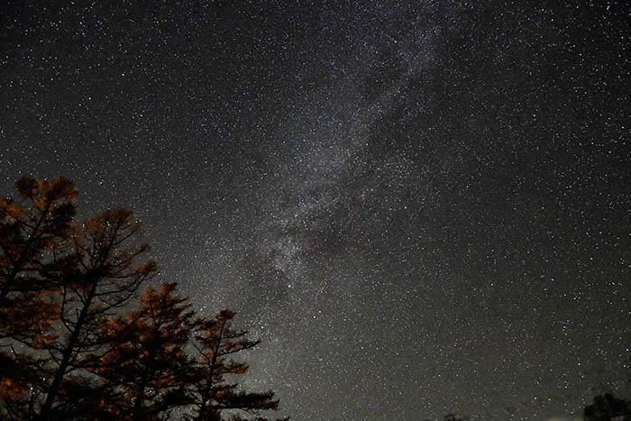 天の川と透明感のある夜空