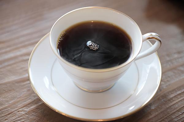 コーヒーショップにて