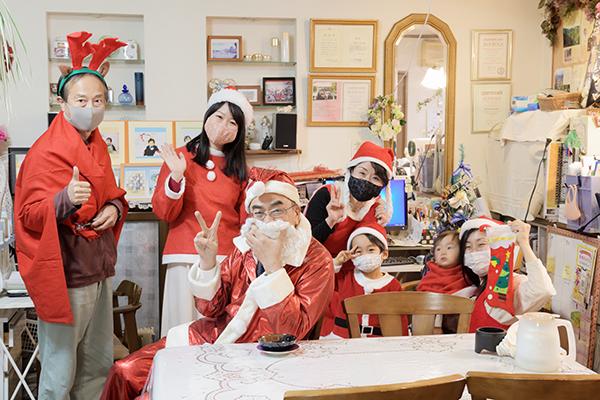 コンサルティングの後にクリスマス仮想