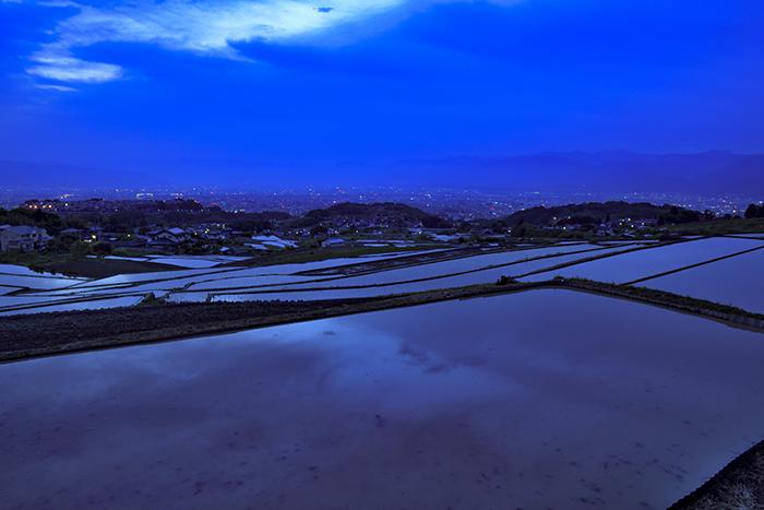 棚田と夜景