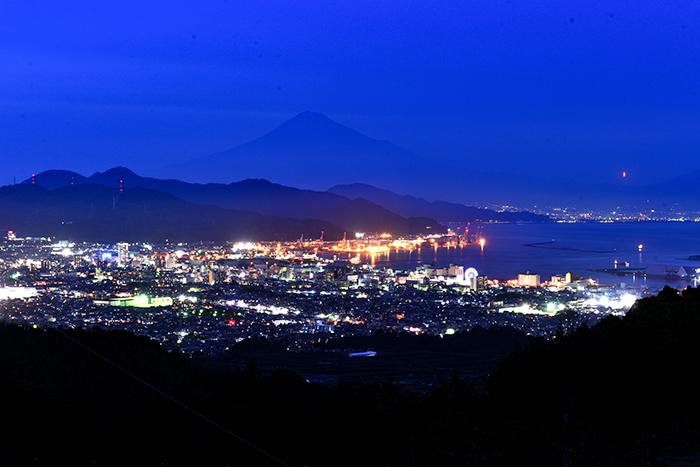 清水夜景と富士山