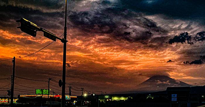 富士と傘雲
