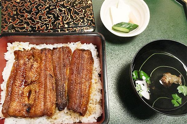 うなきも付きでおいしくほっこりとした鰻が食べられます