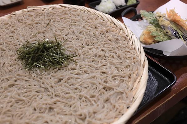 野菜天ぷらと蕎麦のセット(蕎麦大盛り)