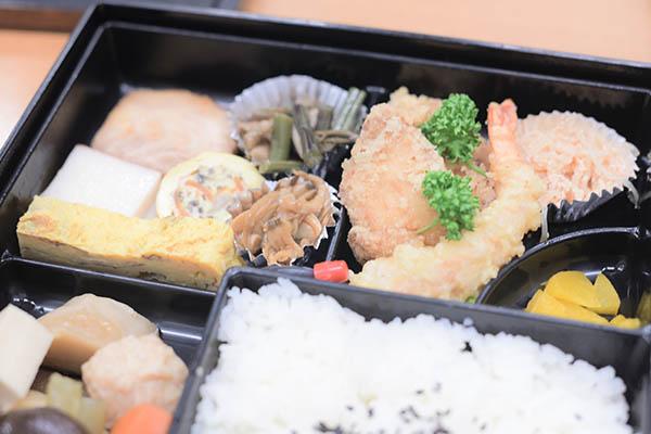 東京のお客さんにいただいたお弁当