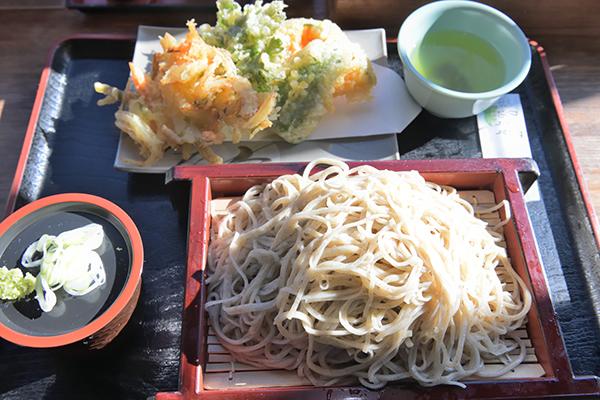 いずみ亭の天ぷら蕎麦ランチ